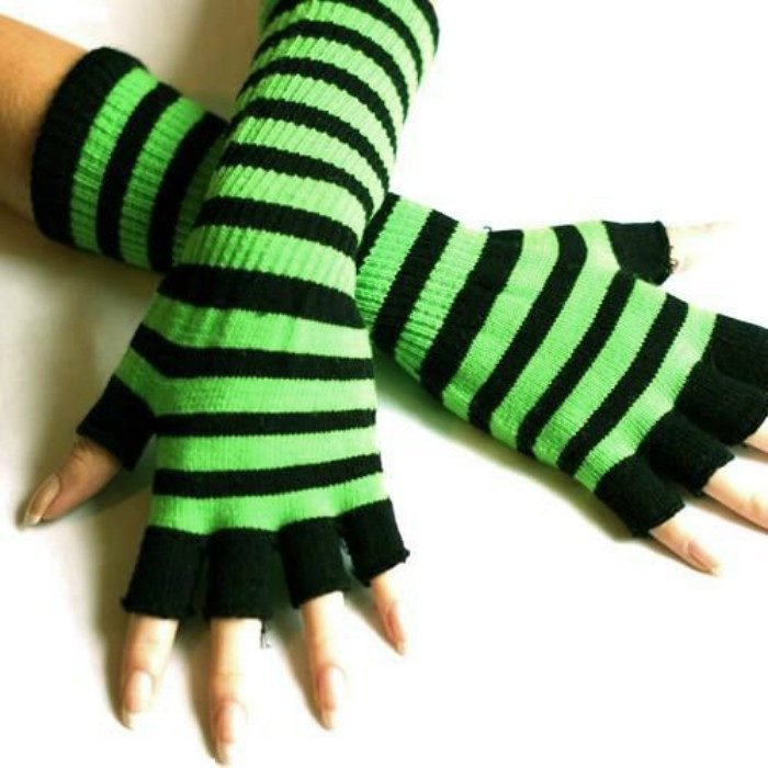 guantes sin dedos a rayas