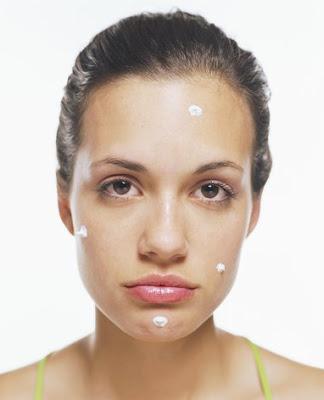chica con acne