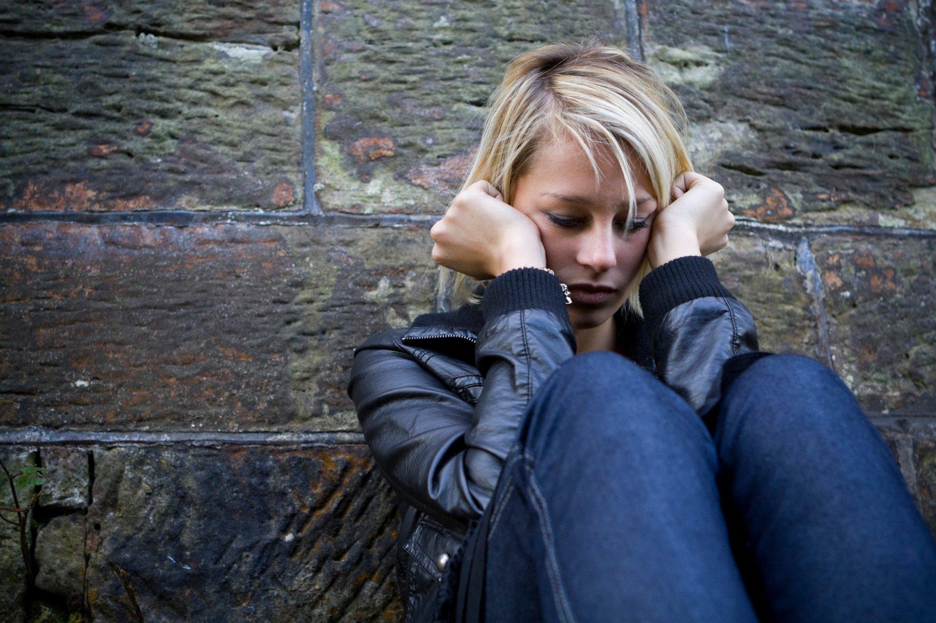 la ansiedad Tengo ansiedad es una afirmación muchas veces escuchada ¿pero qué es la ansiedad ¿cómo comprenderla y combatirla ¿es posible superarla vamos a verlo.