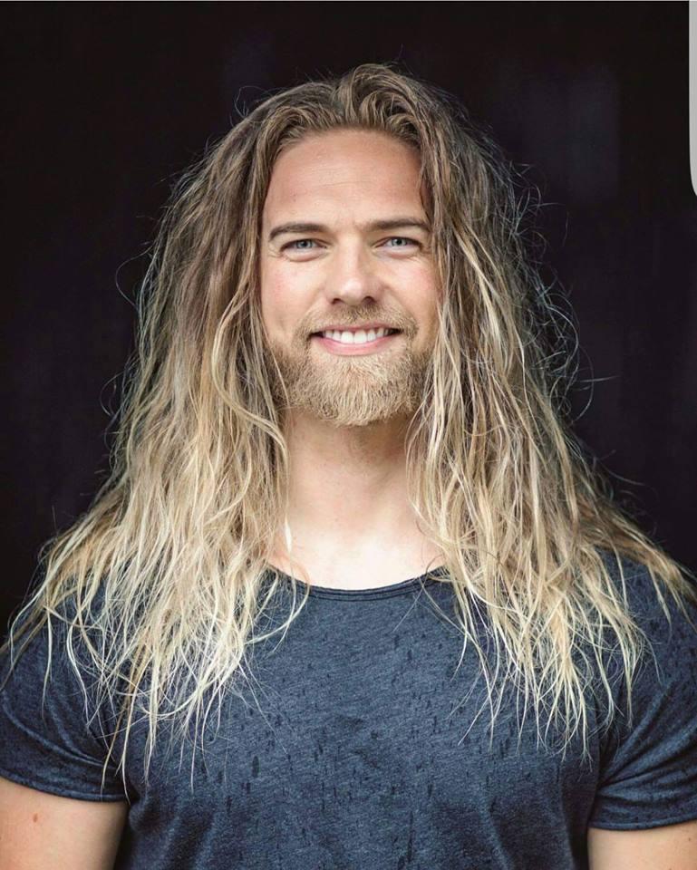 chico cabello largo1