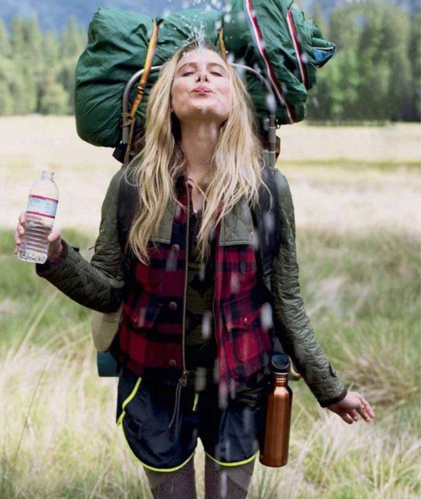 chica de campamento