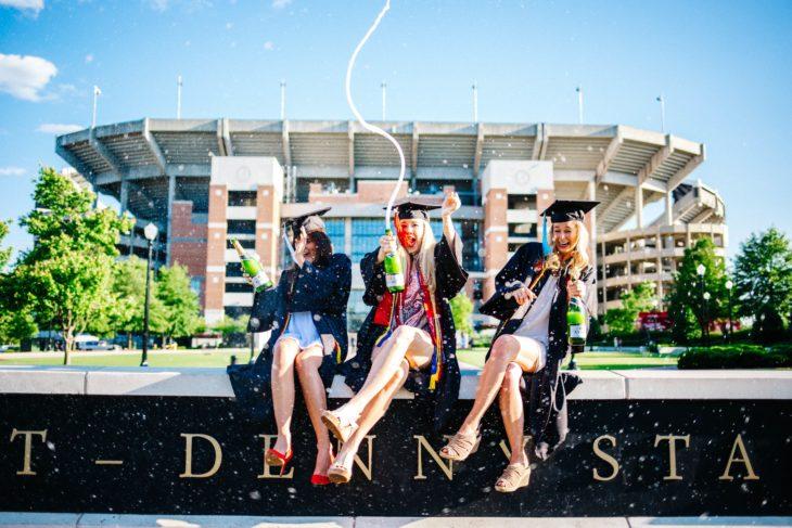 chicas n su graduación