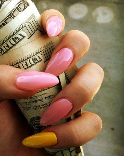 el dinero invertido en maquillaje