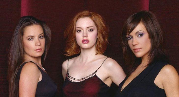 tres mujeres de frente