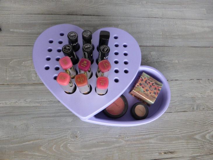 organizador de labiales en forma de corazón