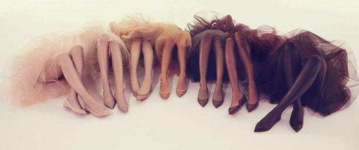 Zapatillas planas de loubutin en tonos nude