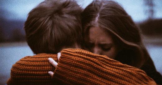 No te aferres a un amor que duele más de lo que vale