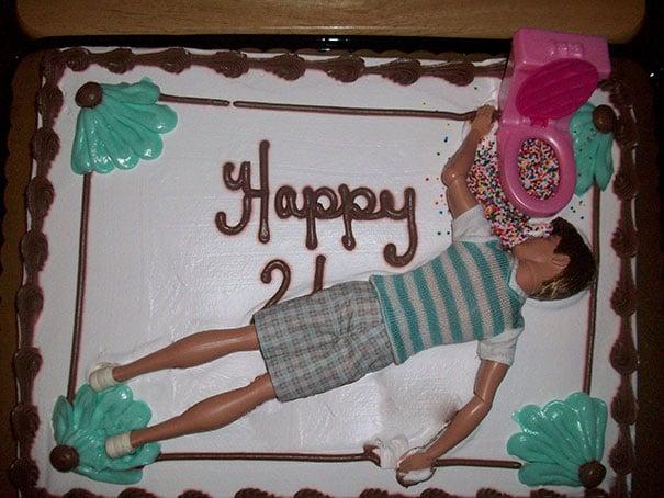 pastel de cumpleaños 21 con ken ebrio