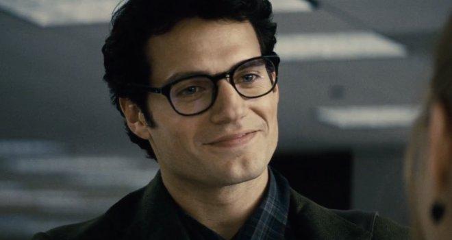 super man con lentes