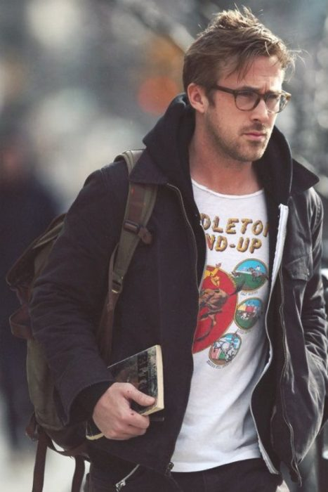 Ryan Gosling con lentes