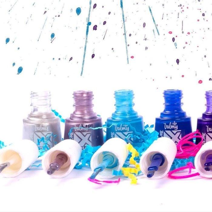 esmaltes de colores y pintura