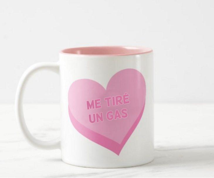 tasa con corazón rosa