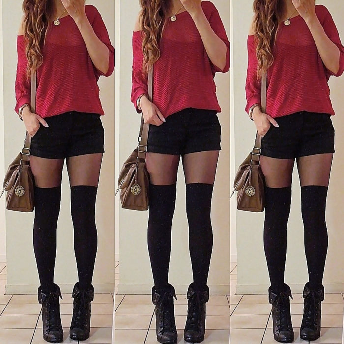mujer con shorts negros y medias negras