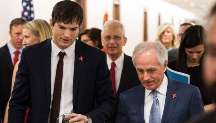 Ashton Kutcher y el senador de USA
