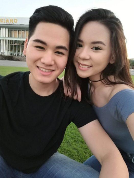 Chica junto a su novio