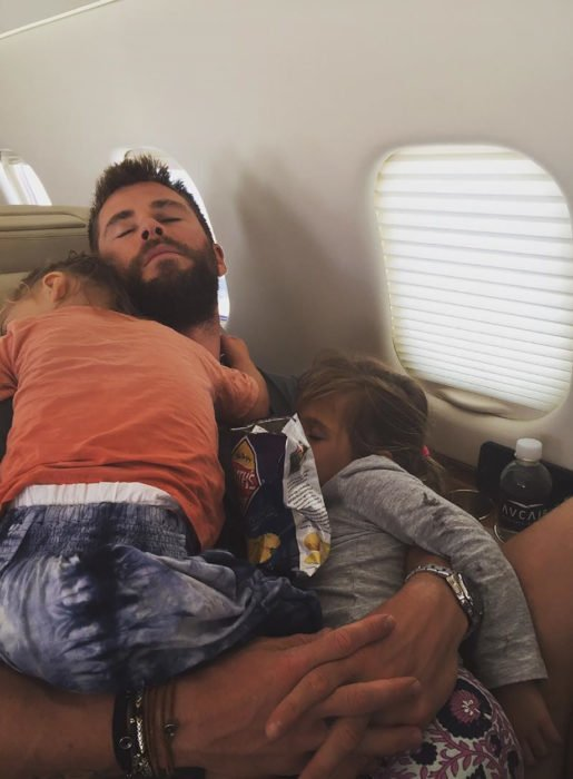Chris Hemsworth avión