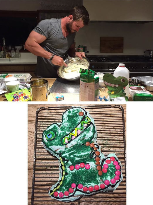 Chris Hemsworth cocinando un pastel