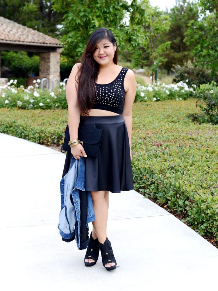 Bajo falda negra en tienda de ropa parte 1 - 2 9