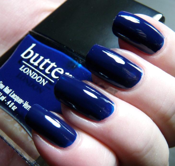 Esmalte color azul cobalto