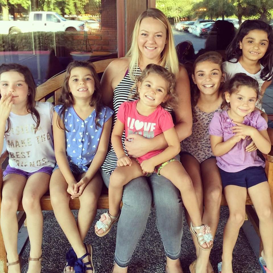 Lacey Dunkin y sus hijas