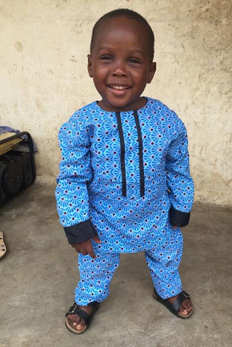 Niño de nigeria acusado de ser brujo recuperado completamente