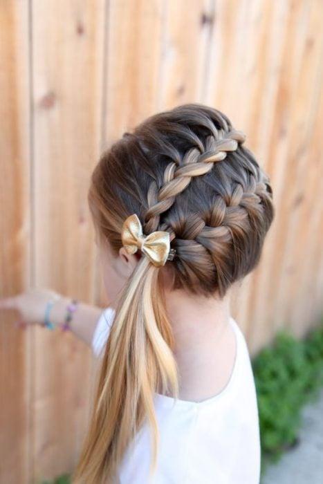 Peinados para niñas con una trenza de lado