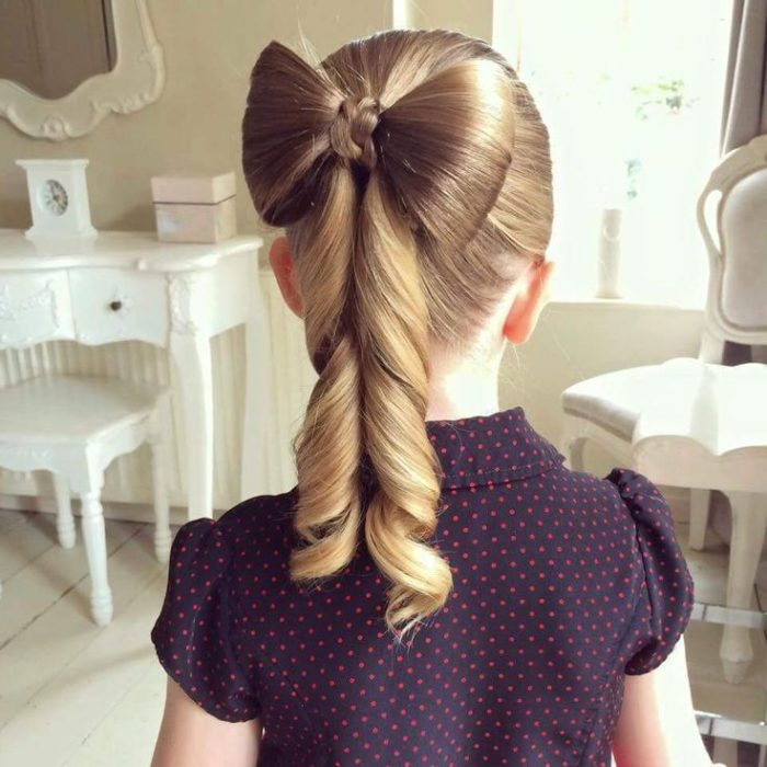 Hairstyles for girls in the shape of an elegant bun