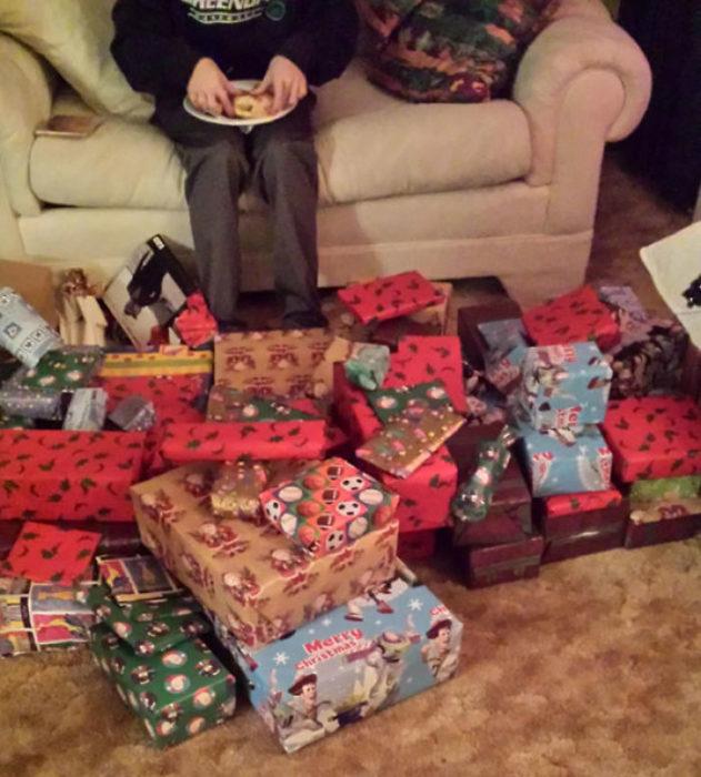 Abuelita que compró 100 regalos de $1 dolar