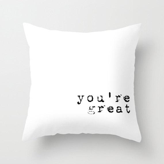 almohada que dice que eres genial