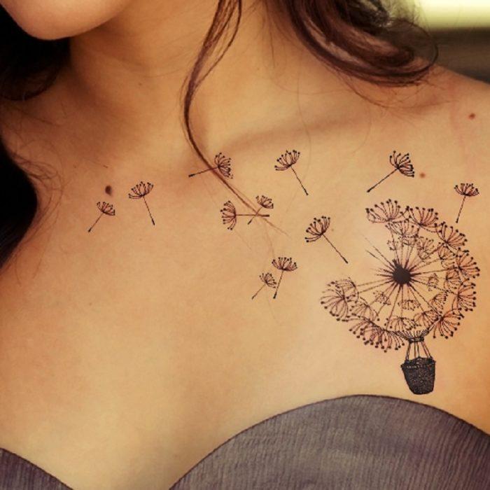 Tatuajes chica alma libre diente de león