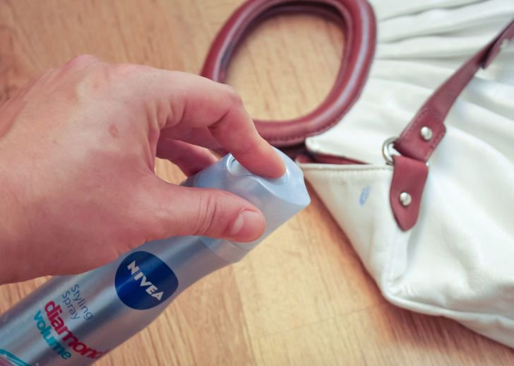 Como remover manchas con spray para cabello