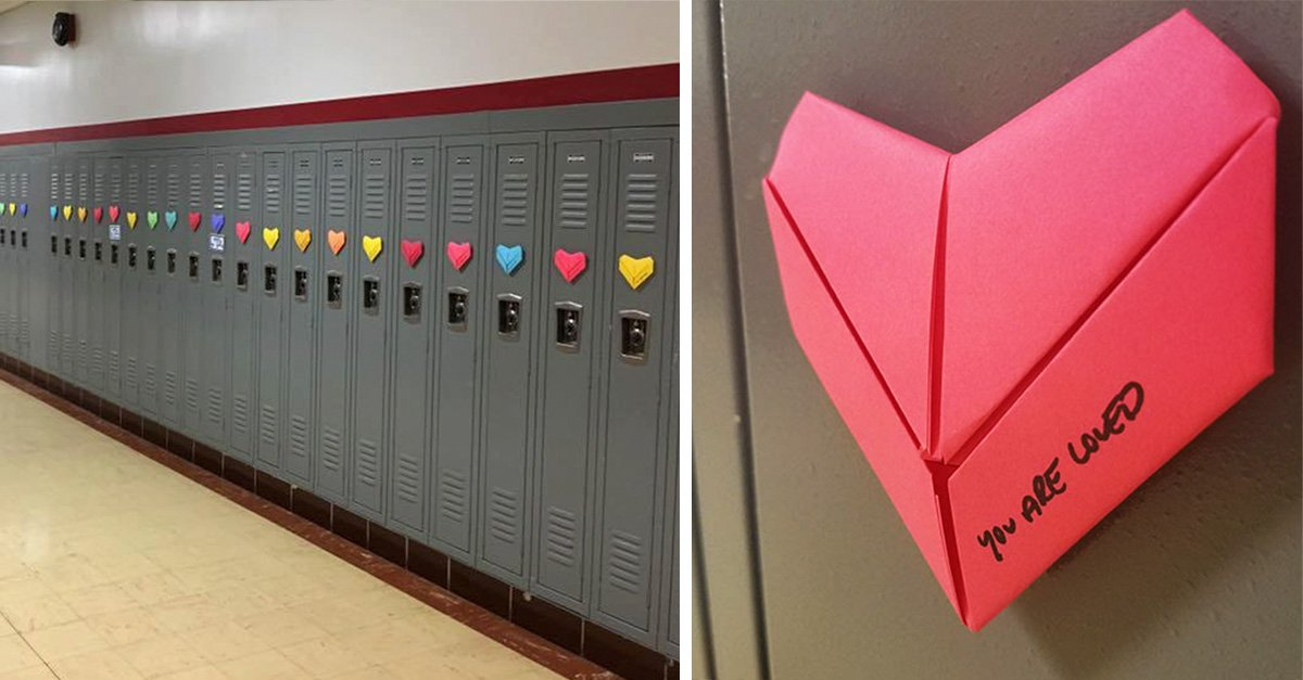 Decoro 1500 casilleros de su escuela a mano para que todos recibieran una tarjeta en San Valentin