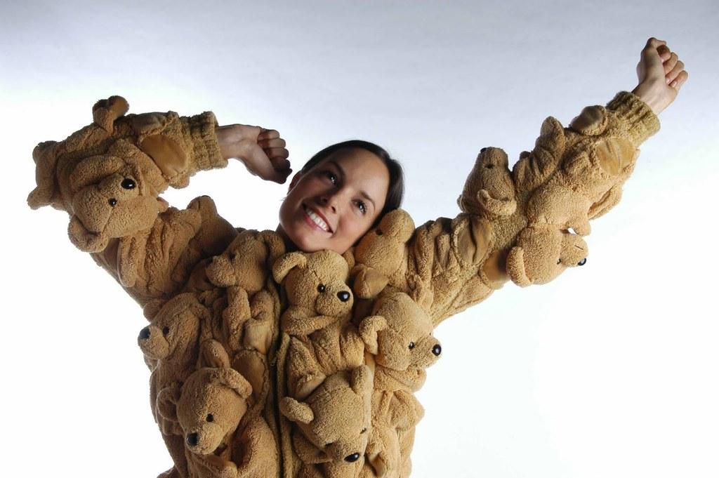 chica suéter de peluche