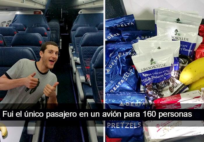 chico viajo solo en una avión para 160