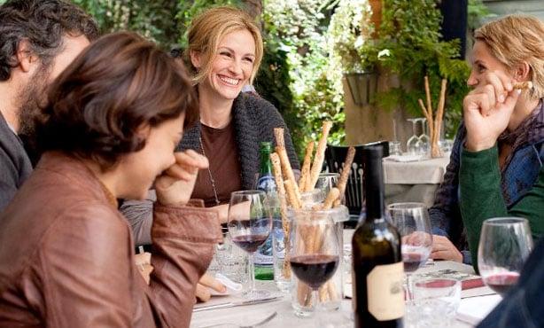 eat pray love comiendo con los amigos