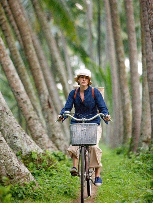 eat pray love julia roberts en bicicleta