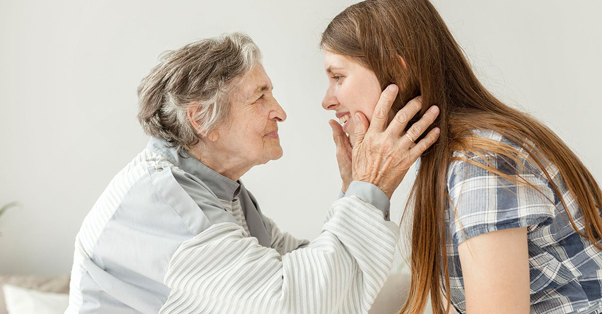 Abuelita con nieta