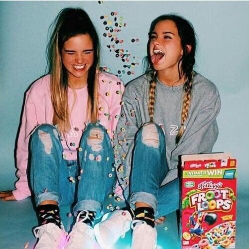 hermanas comiendo frootloops