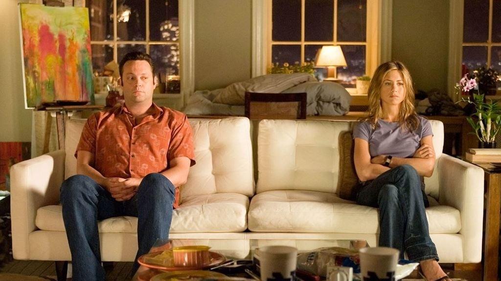 la ruptura separados en el sofá