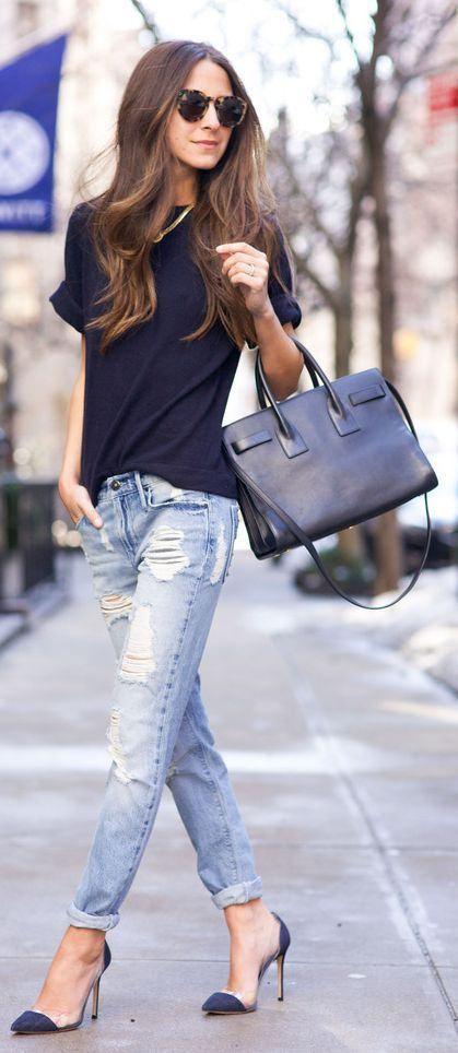 moda fin de semana 2017 pantalón roto y playera negra