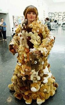 saco hecho con osos de peluche