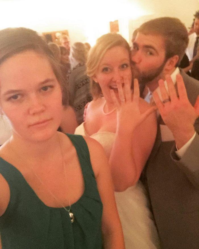 third wheel en una boda