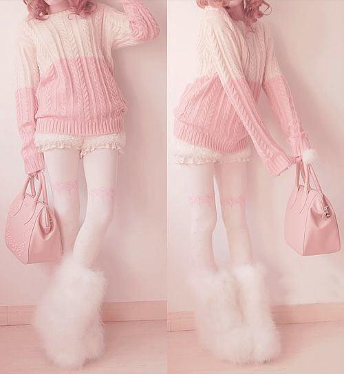 vestimenta toda color rosa