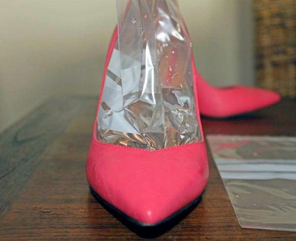 zapatillas rosas con agua fría editada