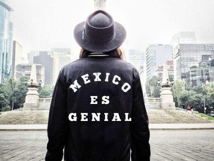 HOMBRE CON CHAMARRA MÉXICO ES GENIAL