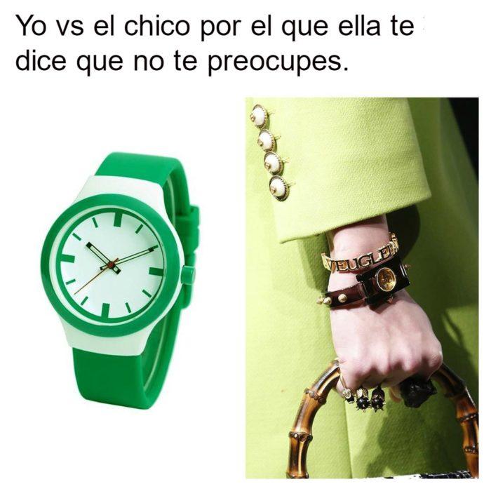 meme con manos y relojes