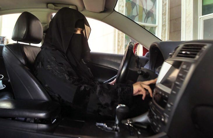 Conducir mujeres árabes