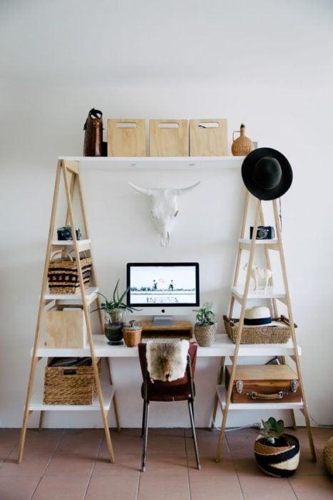 escritorio escaleras