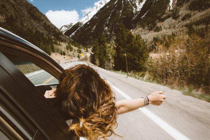 chica viajando