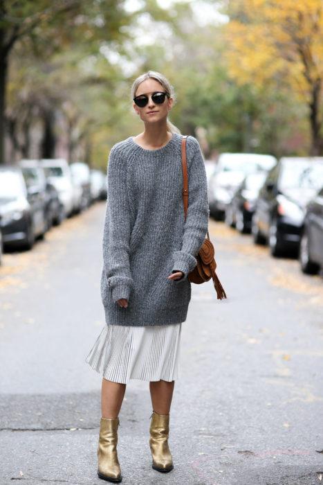 Falda larga y suéter
